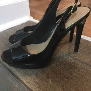 Black Guess patten leather heels